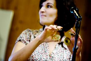 Maria Stellas imponerades av kvällens gästartister. Hon spelar vanligen i Ale Möllers Band.