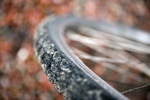 Rätt däcktryck förlänger livslängden på gummit och gör det roligare att cykla.