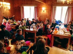 36 spårarscouter var i Uvbergsviken under helgen.