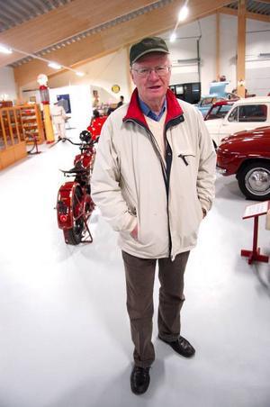 """Besökaren Pelle Stiernström tyckte att det nya bilmuseet var fantastiskt. """"Ivar var en nära vän. Nu kan allmänheten ta del av hans livsverk""""."""