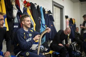 Inför VM i Vänersborg 2013. Daniel Andersson är känd för att förbruka klubbor.