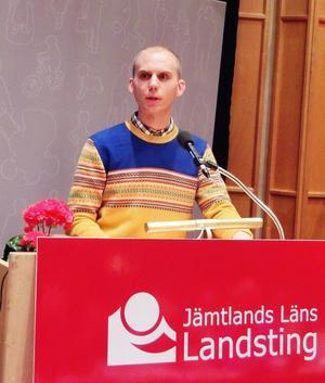 Gunnar Hagqvist talade om varför han tycker att landstinget ska finansiera den metod som gör att blivande föräldrar som är bärare av allvarliga sjukdomar ska ha rätt att få friska barn.