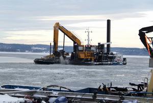 Muddringen i farleden in till Söråkers hamn har gjort att större fartyg lägga till.
