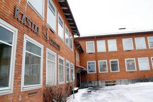 Kastalskolans elever i Brunflo får åka på sin efterlängtade skidresa till Duved den 1 april då företaget Dollarstores vd Peter Ahlberg skänkt pengar.