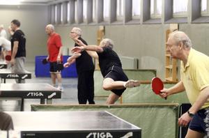 Klubbmästerskapet pågår och då är det spel vid varje bord. Foto: Annakarin Björnström