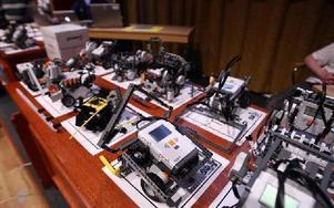 Robotarna får inte vara större än ett papperark i A 4 format.Foto: JOHNNY FREDBORG