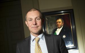 Sandviks nye vd Olof Faxander har 30 procent högre lön än sin företrädare Lars Pettersson.