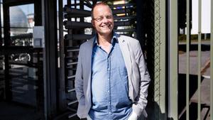 Återvänder till Scania. Ungdomsförfattaren Mats Berggren skildrar i sin nya vuxenbok samhällsutvecklingen genom sina, faderns och en fiktiv dotters ögon.