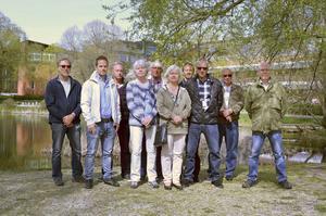 Åtta pensionerade poliser har tillsammans med två aktiva poliser jobbat i projektet. Från vänster: Sven-Olof Lindqvist, Andreas Rosenpärla (aktiv polis), Kurt Löfgren, Birgitta Viklund, Tommy Olsson, Margareta Lindkvist, Anders Larsson (aktiv polis, projektledare), Bosse Sjölander, Jan Wiklund, Christer Lindmark.