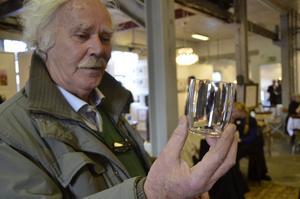Fint glas. Sven Erik Larsson förälskade sig ett glas som Evelina Dovsten blåst där hon går på konstfack.