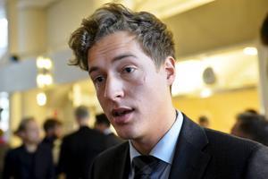 Emil Källström, riksdagsledamot för Centerpartiet och boende i Örnsköldsvik, tycker att det handlar om en rättvisefråga för landsbygden.