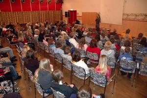 Skola. Kungsgårdsskolans elever fick en gedigen genomgång i frågan och droger, kriminalitet och våld på sin antivålds-, och drogdag.