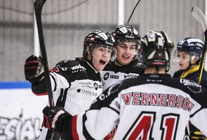 Pontus Wernerson Libäck får spela försäsongsmatch med HHC i Söderhamn.