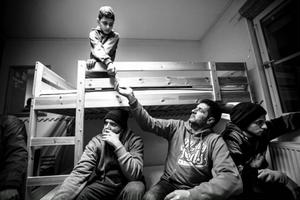Abdelay leker. Foto: Susanne Kvarnlöf