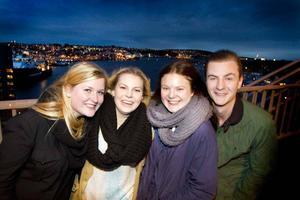 - Ta chansen! Den uppmaningen skickar Gävlekollektivet i Stavanger till alla arbetslösa ungdomar i hemstaden. På bilden syns Sofie Hillborg, Maja Dahlqvist, Elina Brynk och Hernik Berglund.