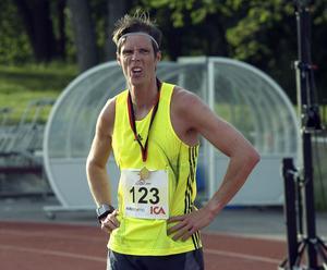 Det blev en tidigare skidskytt som tog hem Blodomloppet i Hudiksvall i år. Jörgen Saarela gick i mål på 32,28.