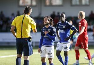 ... följdes upp av en mindre lyckad hemmamatch mot Örebro där Robbin Sellin blev utvisad.