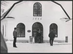 Turistbyrån i Gysinge blev spaningscentral för drygt 30 poliser den första tiden efter fyndet i Dalälven.