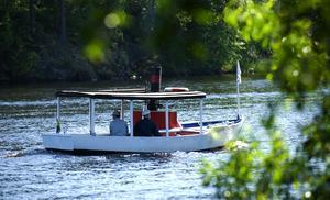 Ångbåtsfest. På söndagen var det åmgbåtsfest i Torsång. I festligheterna deltog bland andra Tyllsnäs, en liten men stilig ångbåt.