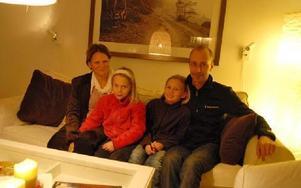 FOTO: GUSTAF SJÖHOLM De fyra klimatpiraterna Susanna, Tove, Linn och Nicklas Karlevill.
