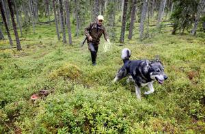 Jakt ger både naturupplevelser och motion för både människa och hund.