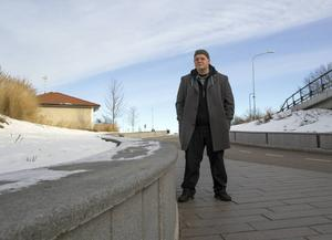 Fredrik Nilsson är född och uppvuxen i Arbrå men bor numera i Bollnäs. Här trivs han utmärkt.