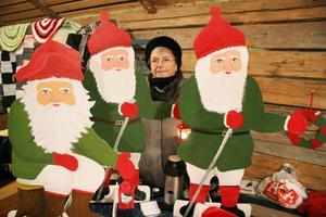 – Jag har sålt massor av tomtar, sa Britt-Marie Johansson från Edsbyn, som var på marknaden tillsammans med make och dotter.