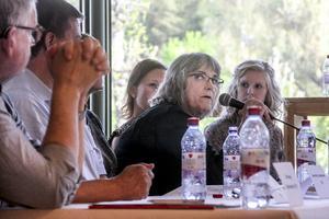 Xenia Hildén, vice ordförande i kultur- och samhällsservicenämnden, lovade att ta tag i frågan om könsneutrala omklädningsrum.