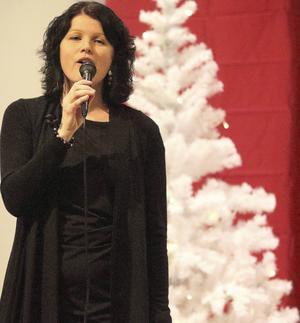 Ylva Timan Olofsson uppträdde på julkonserten i Höglidenkyrkan.