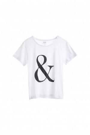 T-shirt med tryck från Monki, 100 kronor.