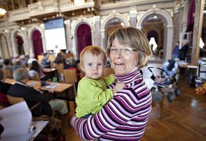 Madeleine Weibull lämnade Landskrona för Gävle och för att vara nära barnbarnet Mira.