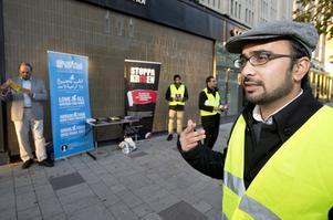 """Imamen Kashif Virk vill värna det öppna samhället. """"Jag tycker myndigheterna ska få mera insyn i moskéerna."""