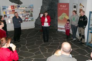 Många intresserade passade på att besöka utställningen under invigningsdagen