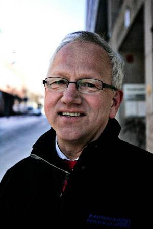 Svante Yring, 58, Ånge:– Ja, större är den inte. (skratt)