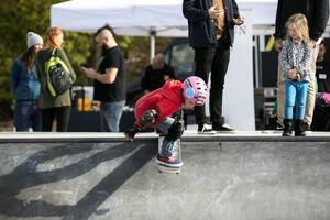 Mille var den enda som körde skateboard under invigningen av Faluns nya del av parken.