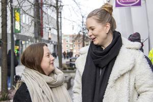 I dag driver Emelie Karlsson och Amanda Meyer ett företag tillsammans i Stockholm. Men vägen till det lilla kontoret på våningsplanet vid Globen har varit långt ifrån friktionsfri.