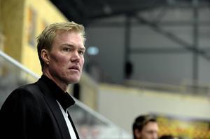 Hockeylegendaren Kenny Jönsson kollapsade i höstas. Nu berättar han om den allvarliga sjukdomen han drabbats av.