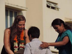 Läraren Sandra Gällström diskuterade jämställdhet med indiska elever och lärare i höstas.