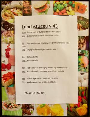 På matsedeln i lunchstuggu på skolan i Funäsdalen framgår det att kommunen serverar sina egna kor.