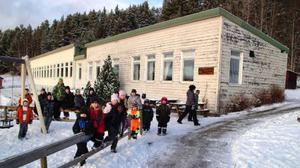 Pilgrimstads skolbyggnad ser kanske ut som hämtad från gamla östblocket, men håller invändigt tämligen god fräschör.
