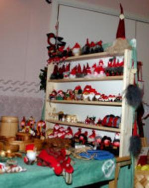 Tomtar i flera av olika storlekar och format fanns på tomteland, som marknaden i Ljustorp kallas.