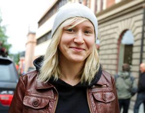 Kristina Skåle, 19 år, studerande, Krokom.– Nej, det kostar för mycket och det är inga artister som lockar.