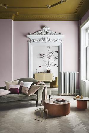 Sen höst. H&M har koll på trenderna och matchar väggfärgen med inredningen.