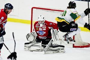 Anders Johnson i Örnsköldsvik Hockeys mål.