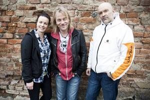 """Initiativtagare till den planerade konsertserien """"Ett steg närmare"""" är Startskott som består av Katarina Åhlén, Björn Höglund, Martin Kjellerstedt ..."""