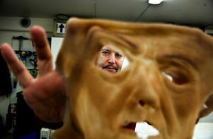 Åldrande kvinna. Med den här masken till en reklamfilm om pensionssparande vann Kaj Steveman en internationell masktävling.Foto: Pontus Lundahl/Scanpix