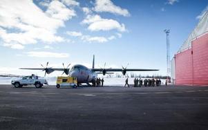 Herkulesplan från norska försvaret på Kiruna flygplats. Foto: Fredric Alm / SCANPIX