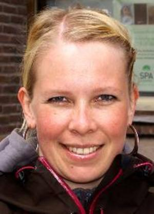 Cia Göransson, 29 år, Östersund:– Nej. Jag nätdeklarerade, det är lättsamt. Man bara klickar in sig och så slipper man fara till Skatteverket.