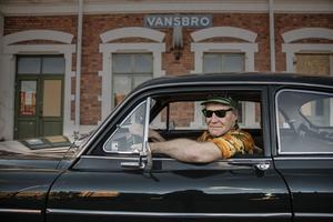 Lars Wanfors i sin gamla Amazon.
