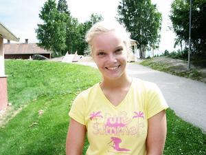 Sara Larsson från Alfta, 17 år, har dansat i Viksjöforsbaletten sedan hon var fem. Hon är en av deltagarna på kursen. - Den är väldigt hård, jag utvecklas jättemycket, säger hon.